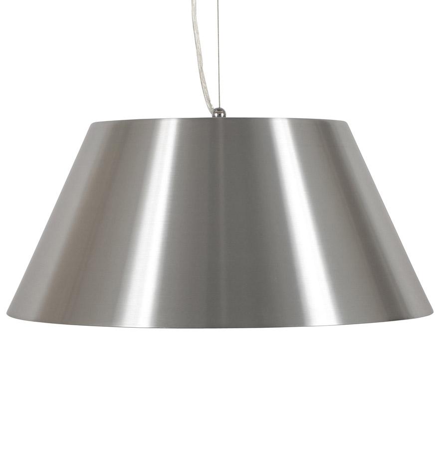 Abat-jour en aluminium brossé, forme design et épurée.