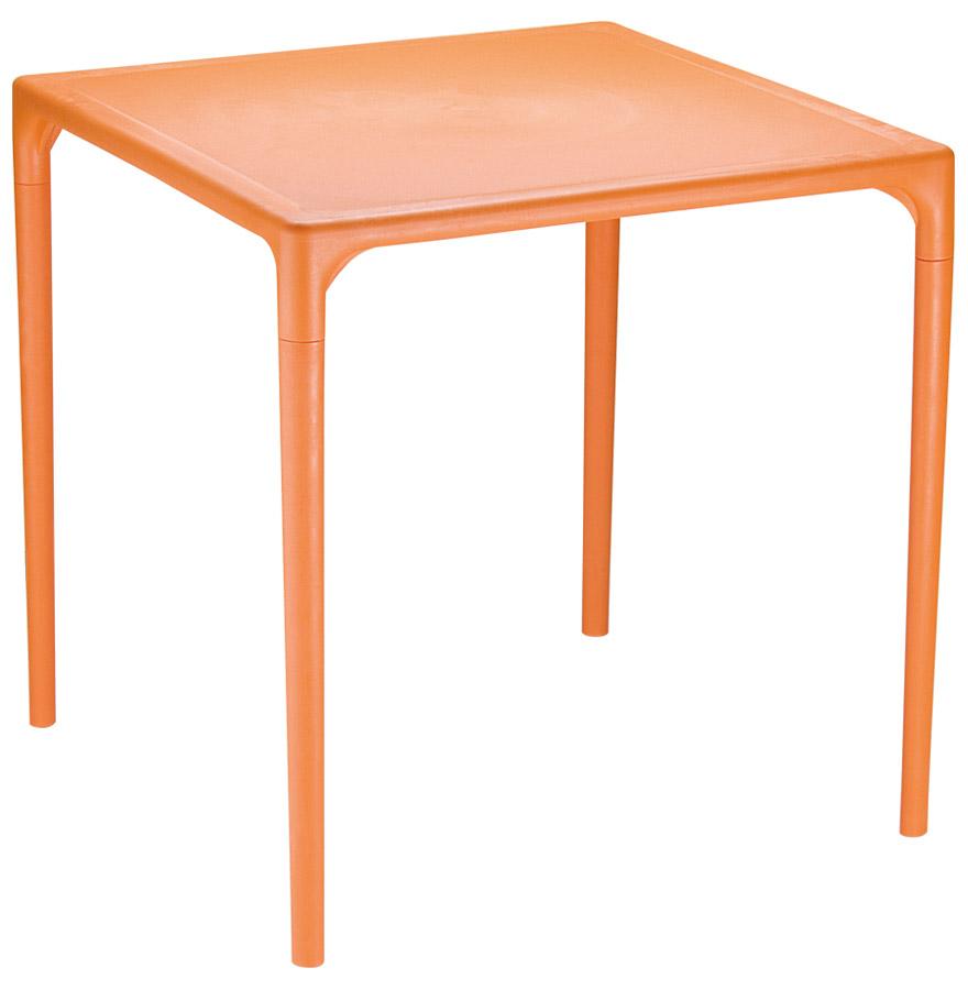 Table d'appoint en matière plastique utilisable à l'extérieur.