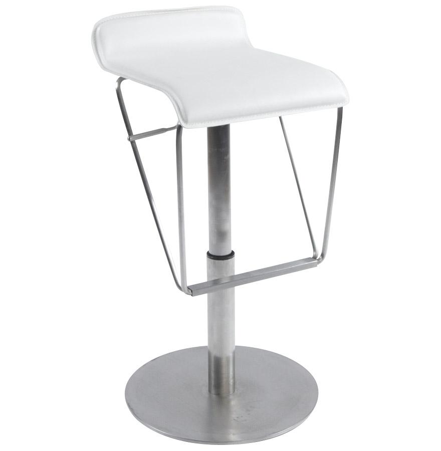 Réglable en hauteur, assise en similicuir rembourré.