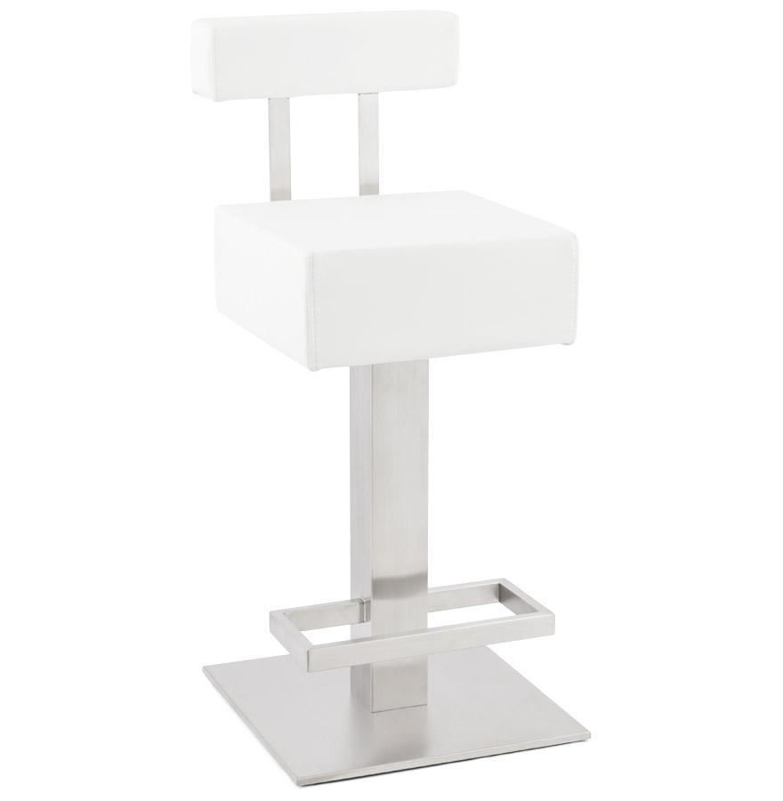 Tabouret fixe mi-hauteur.<br />L&rsquo;assise est à 65 cm de haut et pivotante à 360°.<br />Le dossier est amovible.» desc=»Tabouret fixe mi-hauteur.<br />L&rsquo;assise est à 65 cm de haut et pivotante à 360°.<br />Le dossier est amovible.» width=»265&Prime; /></a><br /> <strong>Tabouret fixe mi-hauteur.<br />L&rsquo;assise est à 65 cm de haut et pivotante à 360°.<br />Le dossier est amovible.</strong><br /> Tabouret snack unique et épuré composé d&rsquo;une assise en similicuir et d&rsquo;une structure en acier brossé inoxydable.<br />Grâce à sa structure fixe, ce tabouret bénéficie d&rsquo;une stabilité accrue et d&rsquo;un excellent confort d&rsquo;assise.<br /> <span style=