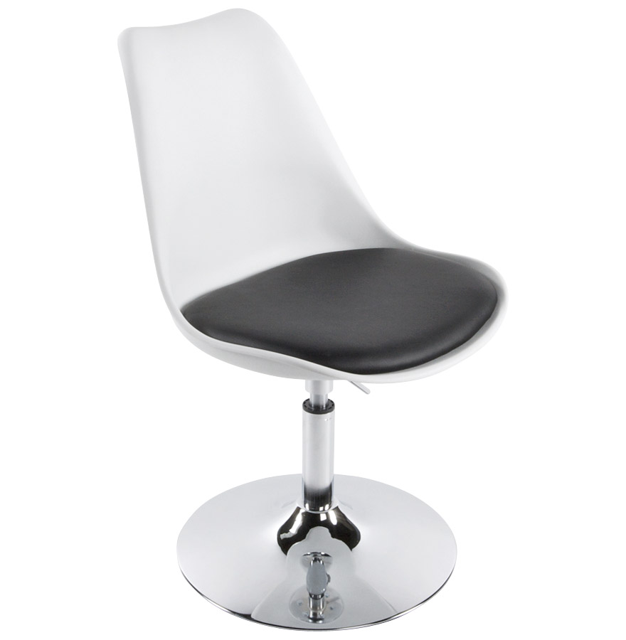 Chaise réglable en hauteur, pivotante à 360°.