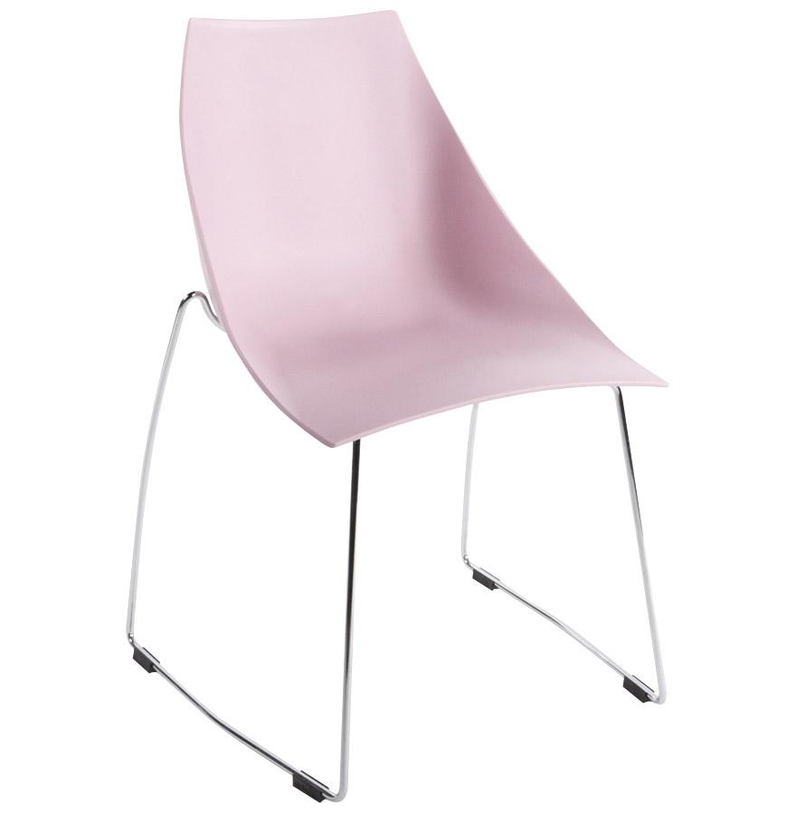 Empilable jusqu'à 6 chaises, Assise enveloppante.