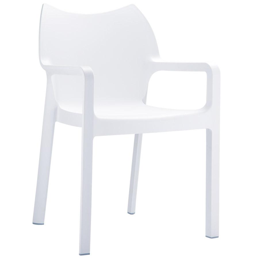 Chaise de jardin / terrasse moderne empilable.