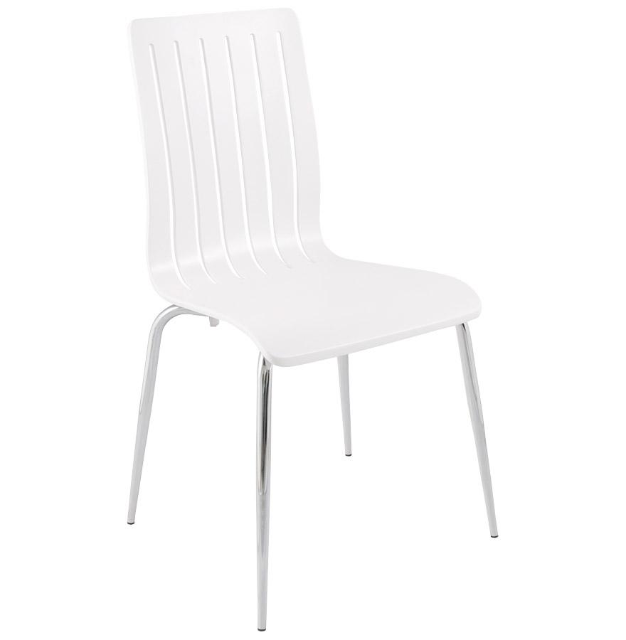 Chaise en bois, finition bois peint.